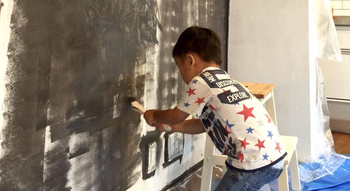 【DIY】黒板の塗装 その2 – 塗料を塗る
